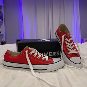 Low Top Red Converse